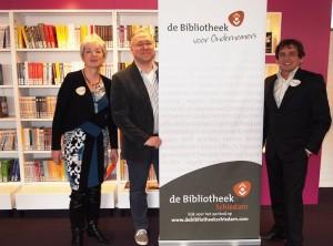 Partnership de Bibliotheek Schiedam (vlnr Karin Visser directeur/bestuurder Bibliotheek, John Smits organisator Open Coffee Schiedam, Theo Schilthuizen manager Bibliotheek)